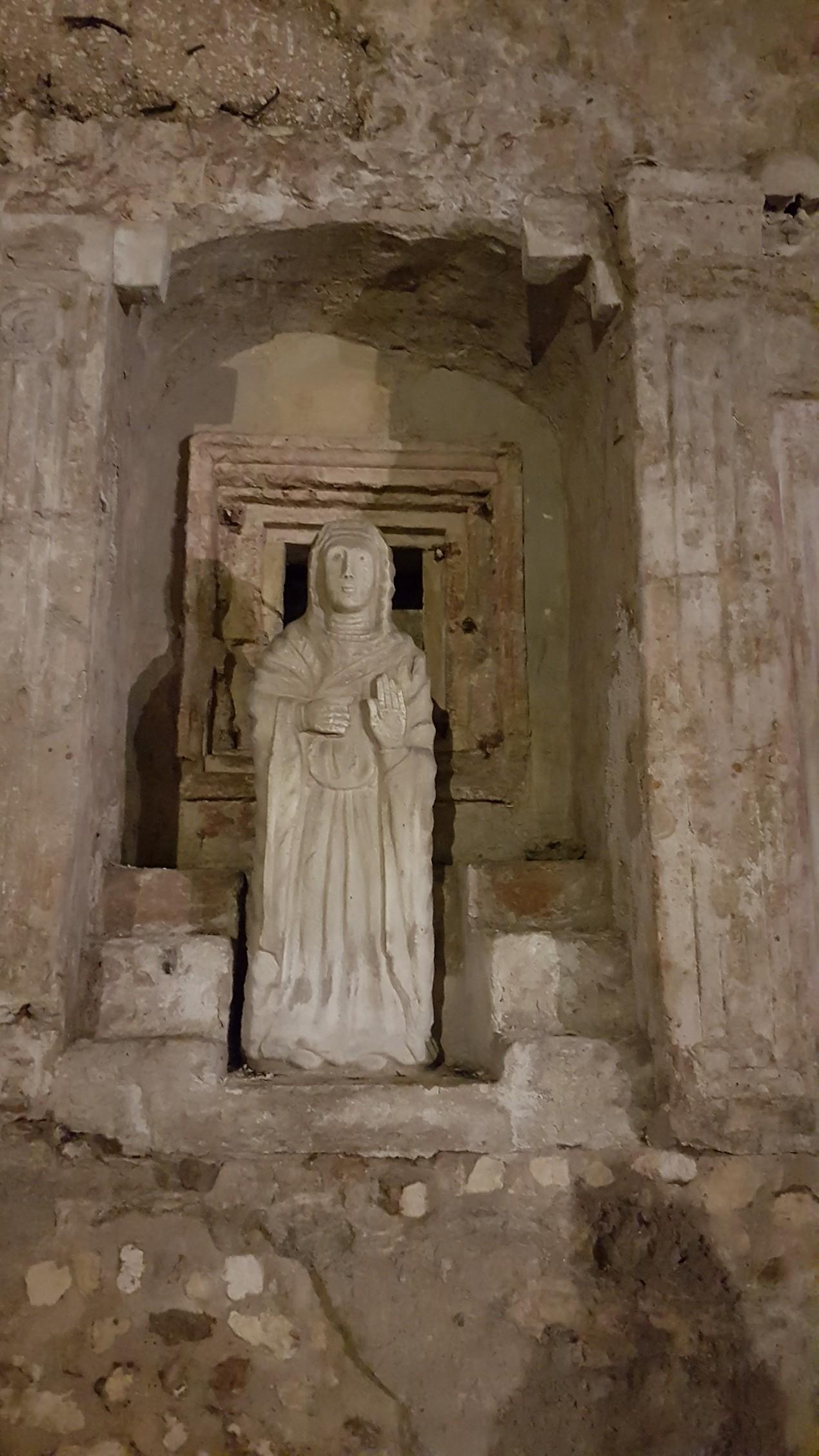Resultado de imagem para santa Restituta martirio crypta