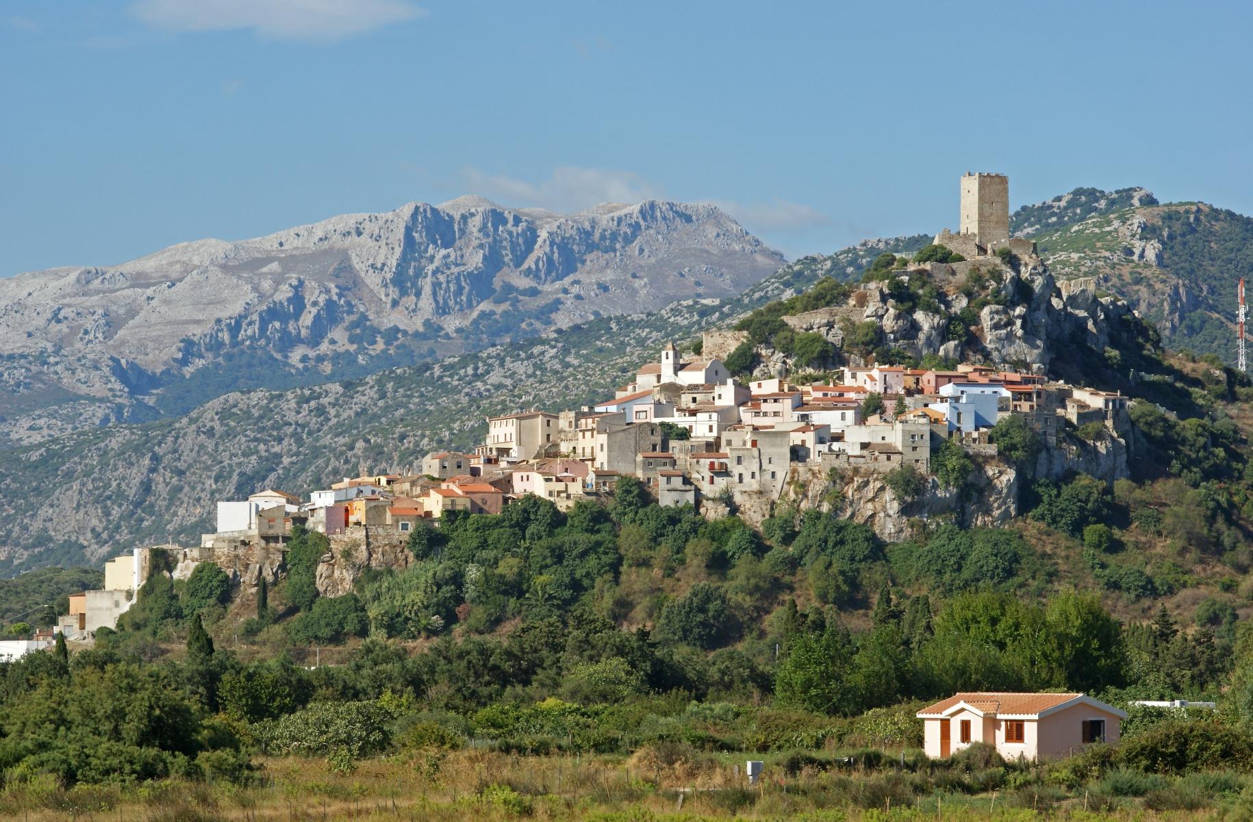 Il borgo medioevale di Posada