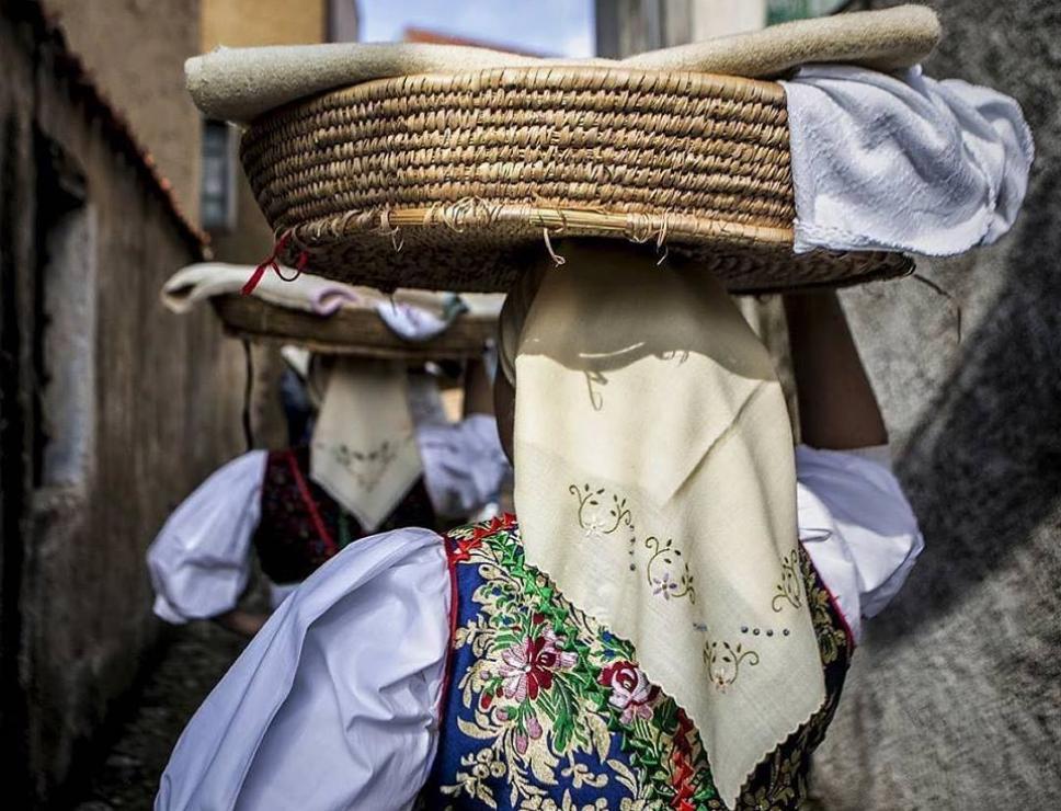Donne in abito tradizionale - Meana Sardo