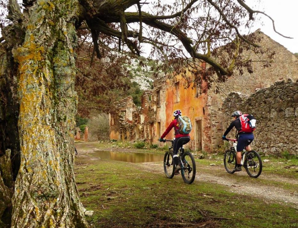 Bikers sul Cammino minerario di santa Barbara