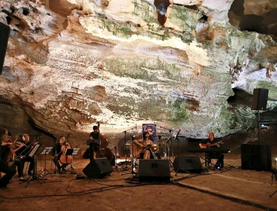Cala Gonone Jazz - concerto nelle Grotte del bue marino