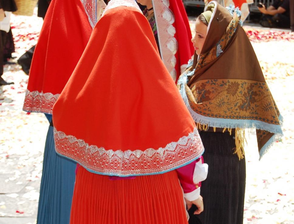 abiti tradizionali alla processione di sant'Efisio