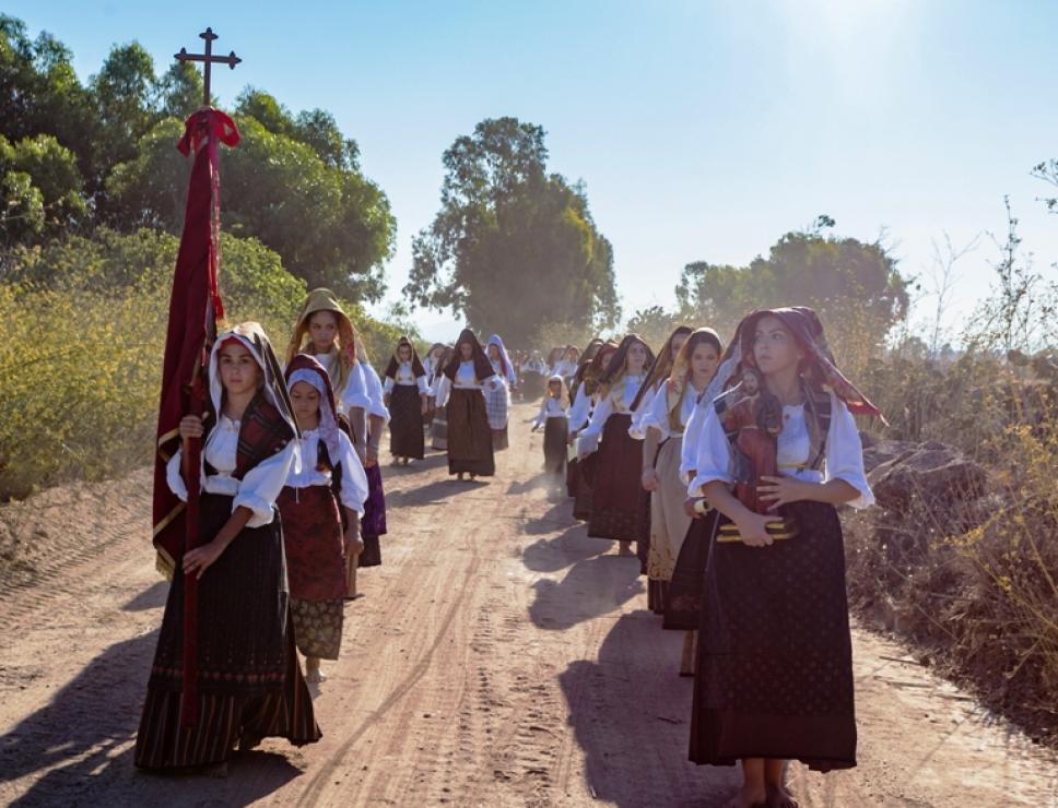 Donne in abiti tradizionali_Corsa degli Scalzi