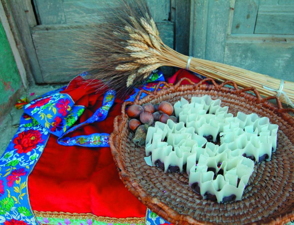 Caschettes, dolce tipico  -  Belvì