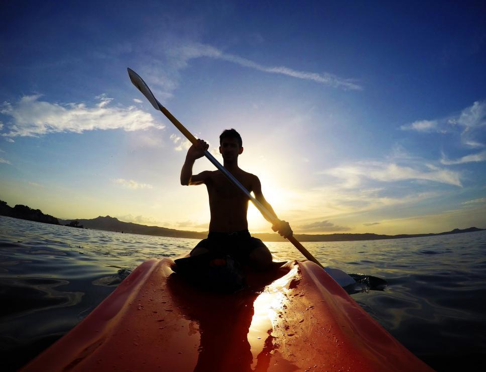 Alba in canoa nel golfo di Orosei