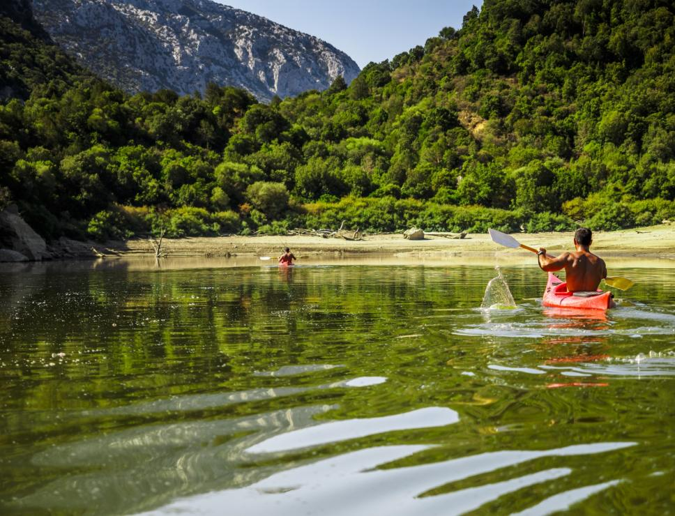 Kayak on the Cedrino river