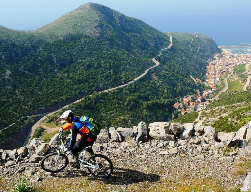 Veduta di Buggerru in mountain bike