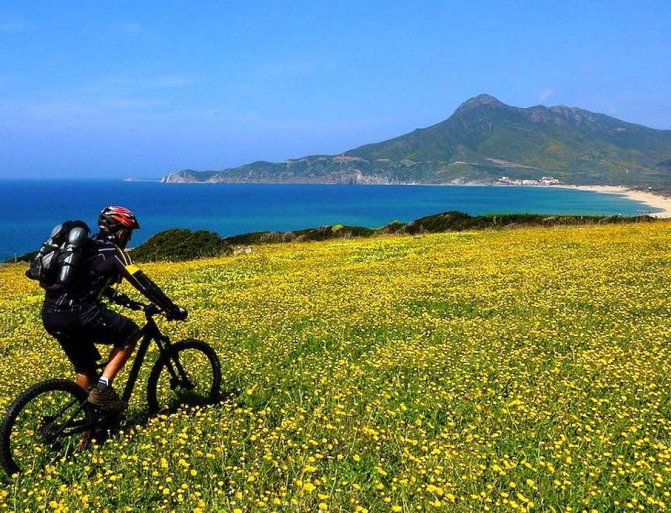 Veduta di Portixeddu in mountain bike