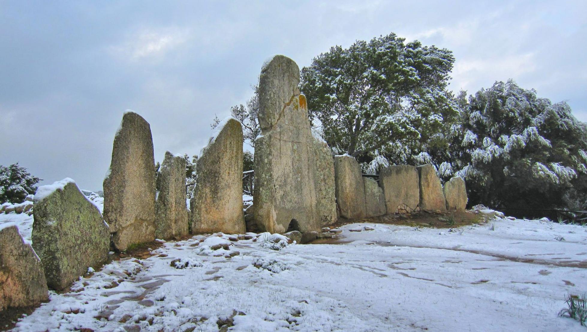 Tomba di Giganti Li Lolghi - Arzachena