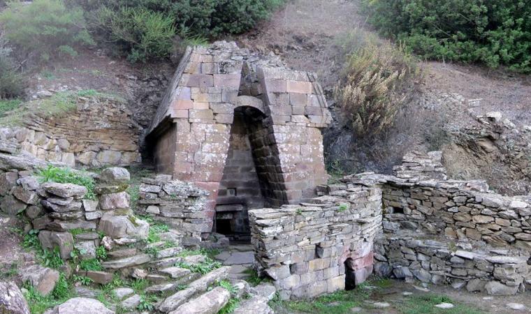 Su Tempiesu, fonte sacra - Orune
