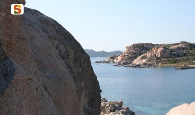 Titolo: Scorcio maddalenino Autore: Deriu Antonio Località: Punta Tegge