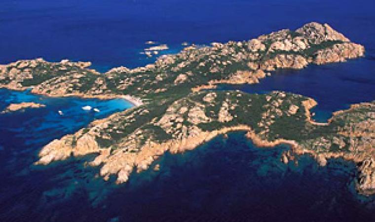 L'isola di Mortorio nell'arcipelago delle Bocche di Bonifacio,