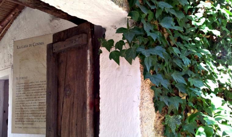 Interno della casa di Grazia Deledda