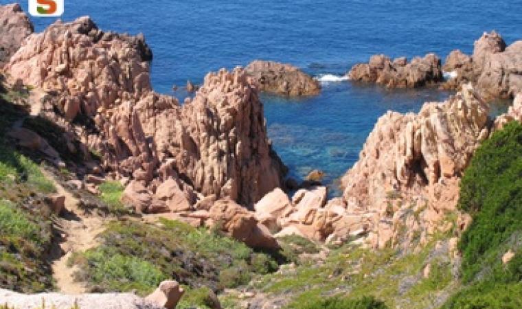 Titolo: Paesaggio presso costa Paradiso Autore: Piscedda Odilia