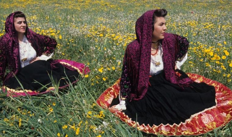 Women in the traditional costume - Irgoli; Irgoli, Costume tradizionale
