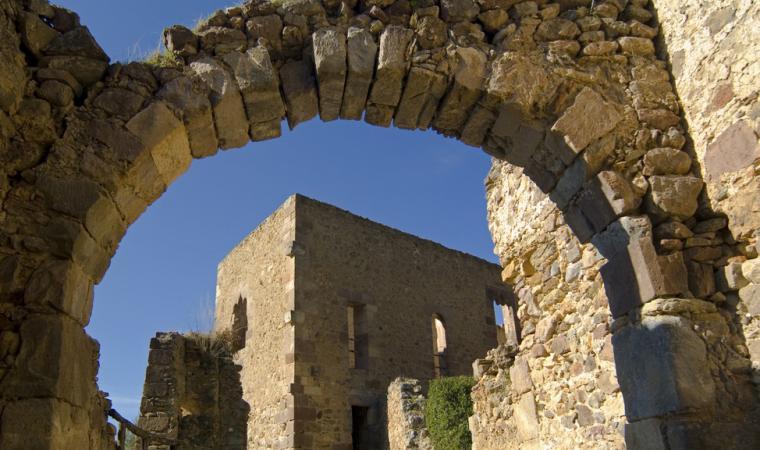 Laconi,_Castello_di_Aymerich