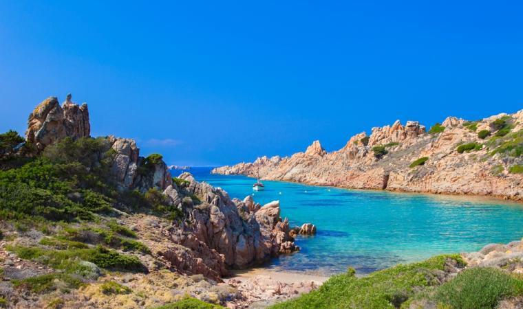 Cala Lunga - isola Razzoli - arcipelago della Maddalena