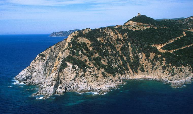 Capo Boi, l'aspro promontorio; The rough promontory of Capo Boi