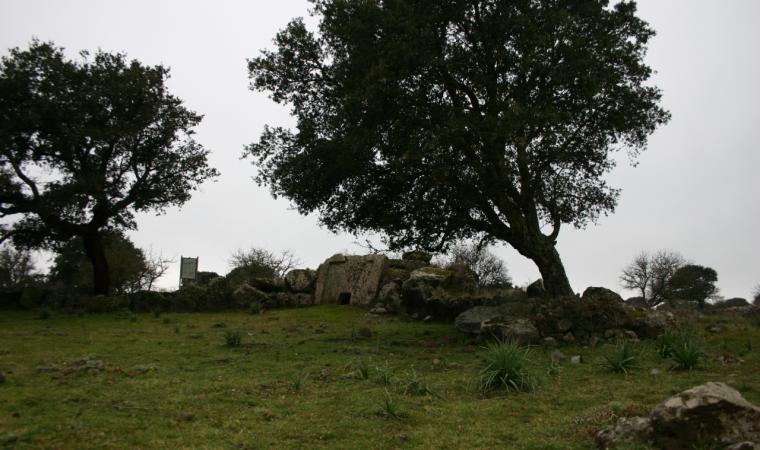 Birori, area archeologica; Giant's Tomb of Sa pedra de s'Altare, Birori