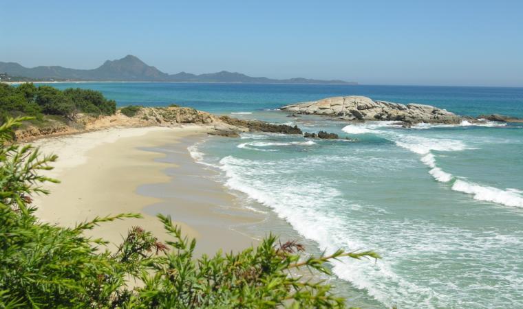 Scoglio di Peppino - Spiaggia Santa Giusta - Costa Rey
