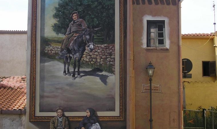 Sennariolo, murale in piazza Rimembranza; Mural in Rimembranza Square, Sennariolo