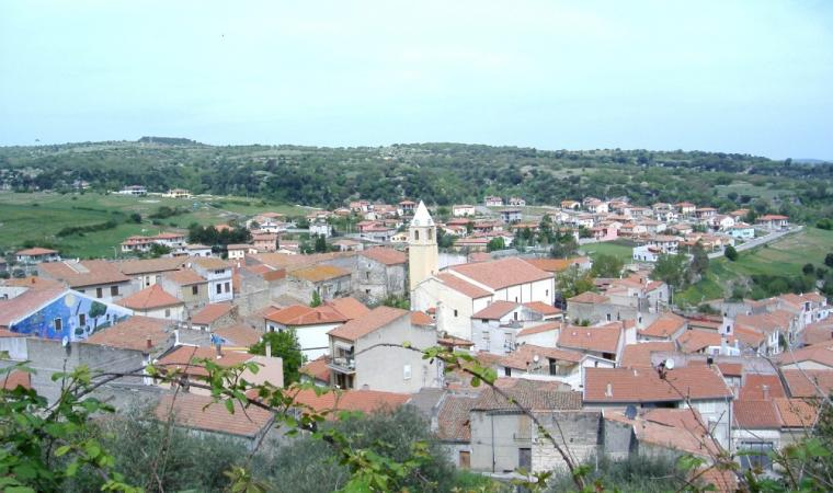 Bessude, panoramica del paese; A view of the village, Bessude