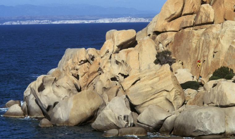 Climbing a Cala Spinosa - Capo Testa - Santa Teresa Gallura