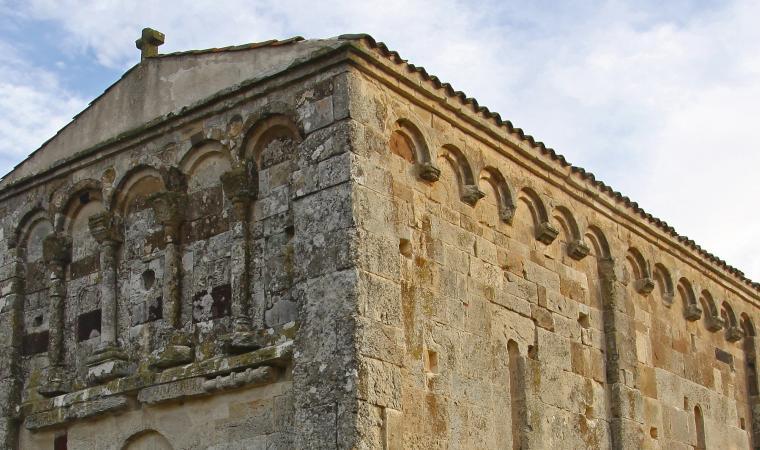 San Nicola di Trullas, dettaglio facciata - Semestene