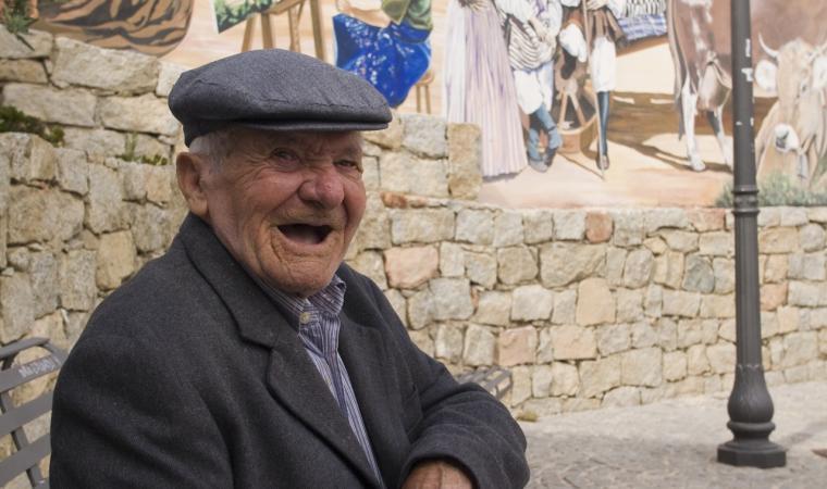 Anziano centenario di Loceri