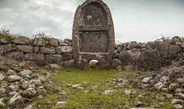 Tomba di Giganti Imbertighe - Borore