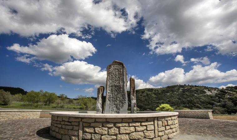 Monumento Pinuccio Sciola - Pompu