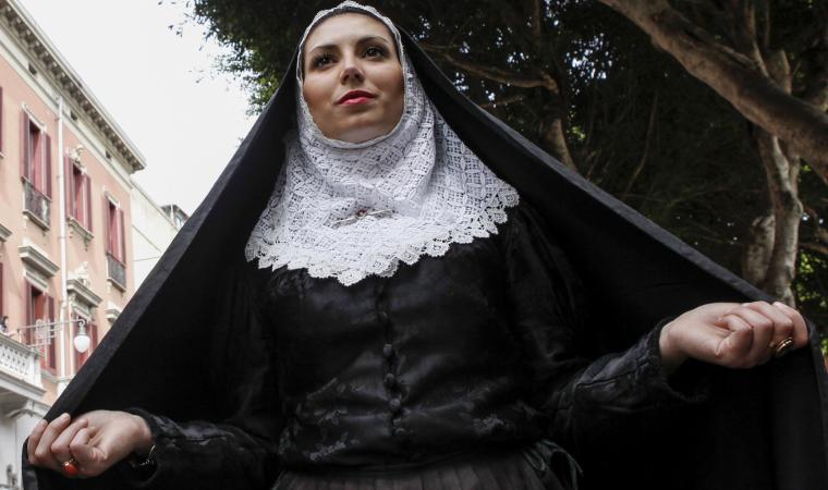 Donna in abito tradizionale - Tempio Pausania