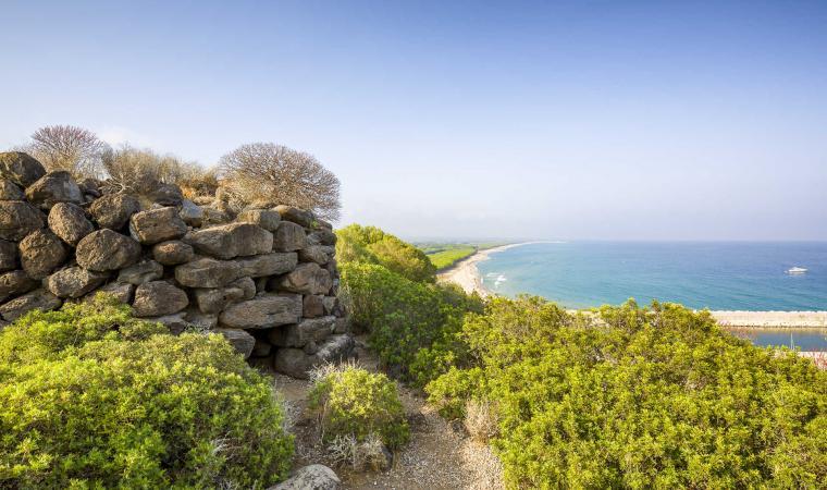 Nuraghe e Spiaggia di Osalla - Orosei