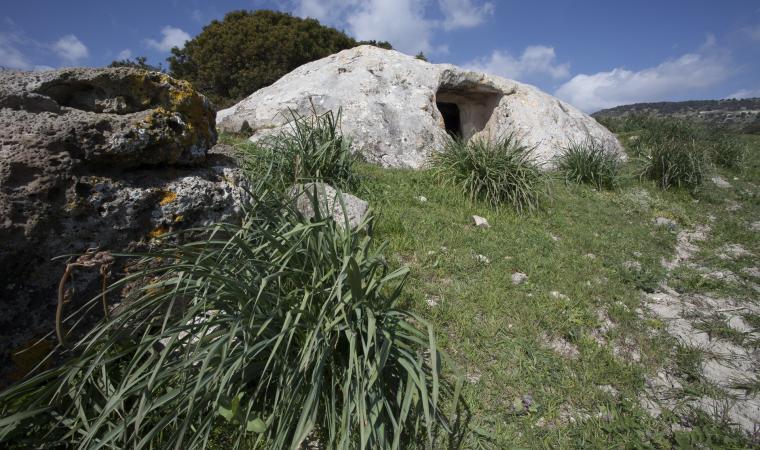 Domus de janas, grutta sa Perda - Setzu