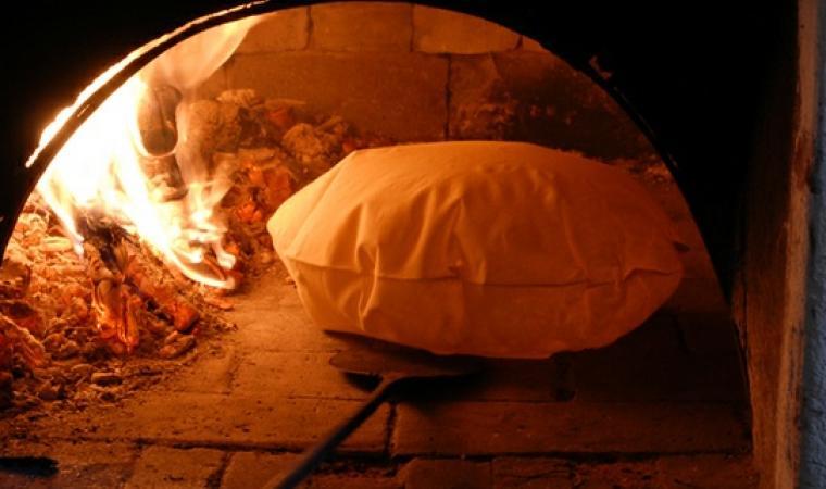 Cottura del pane carasau - Irgoli