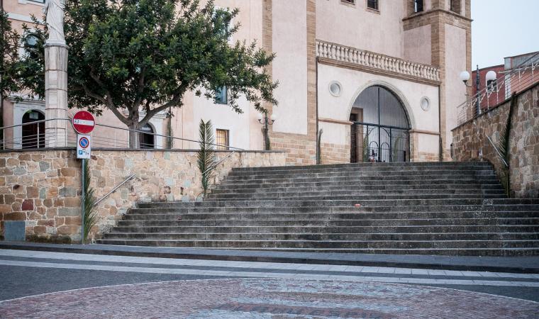 Cattedrale dei santi Pietro e Paolo, piazzale - Ales