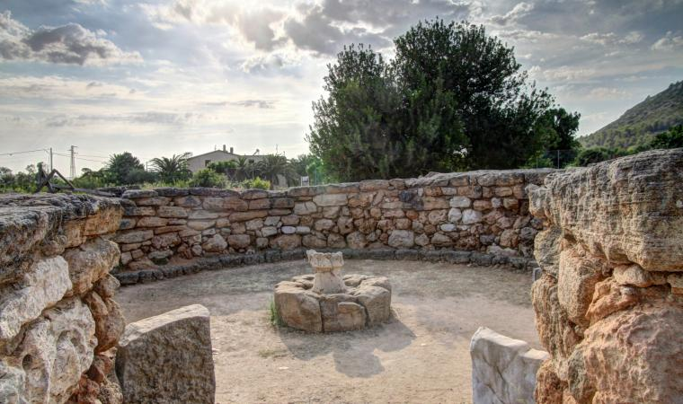Nuraghe Palmavera, interno capanna