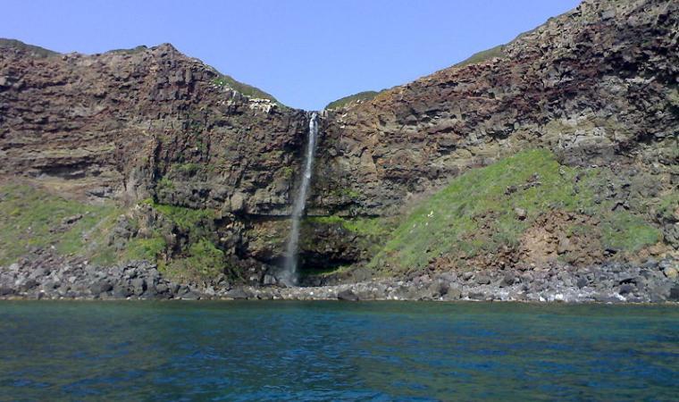 Cascata di Cabu Nieddu dal mare - Cuglieri