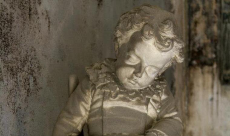 Cimitero monumentale di Bonaria - statua bimbo - Cagliari
