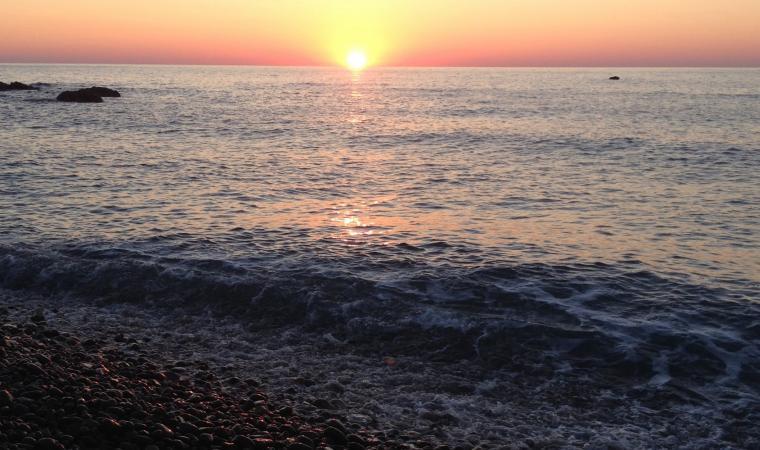 Coccorrocci - Alba sul mare