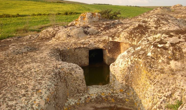 Domus de janas Corongiu s'Acqua Salida - Pimentel