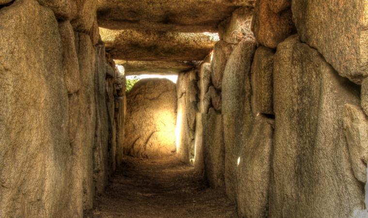 Tomba di giganti, S'ena e thomes, interno - Dorgali