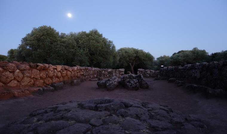 Pozzo santa Cristina, luna piena