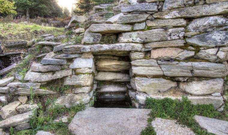 Monte Nuxi, pozzo sacro - Esterzili