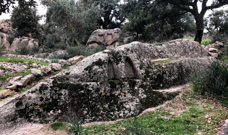 Altare rupestre santo Stefano