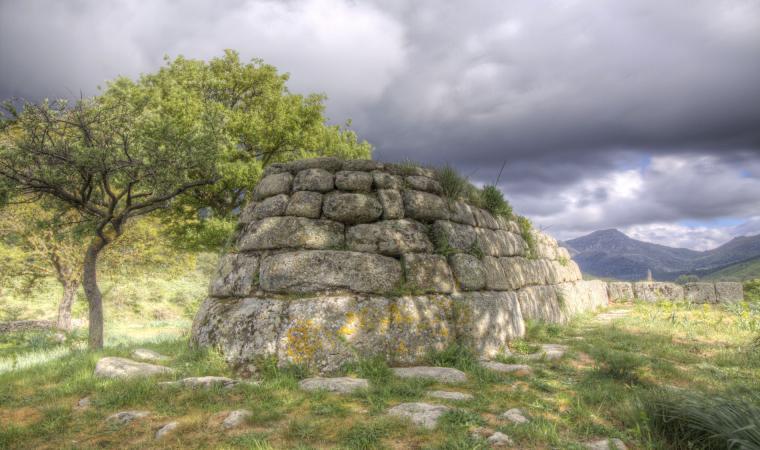 Tomba di giganti, necropoli di Madau - Fonni