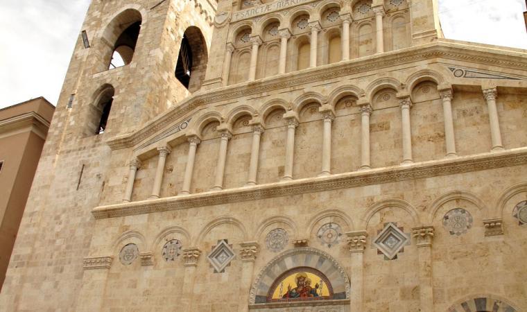 Duomo di Cagliari, facciata