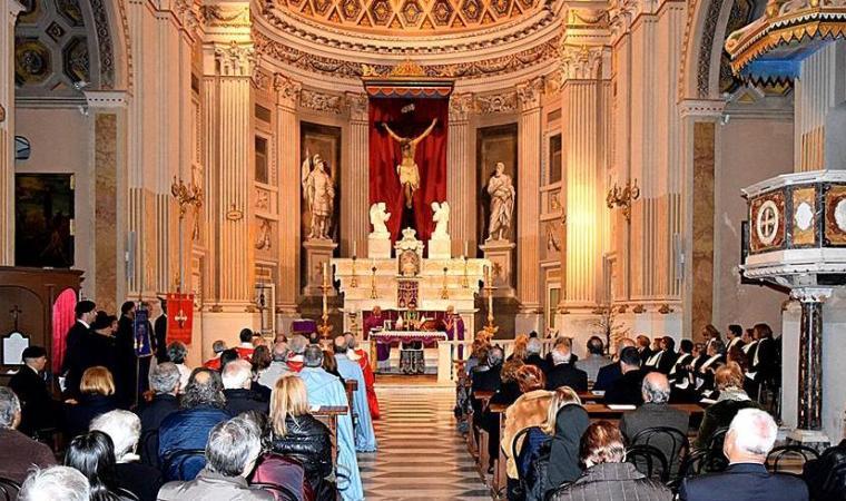 Basilica di Santa Croce, interno - Cagliari