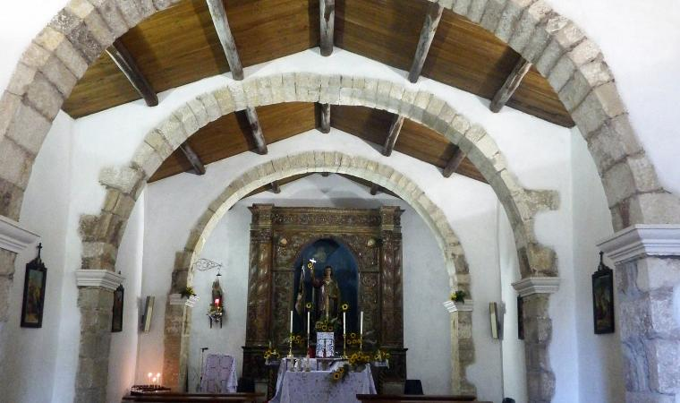 Chiesa di sant'Antioco, interno  - Scano di Montiferru
