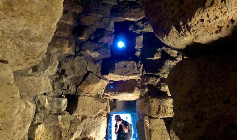 Corridoio interno - nuraghe Santu Antine - Torralba